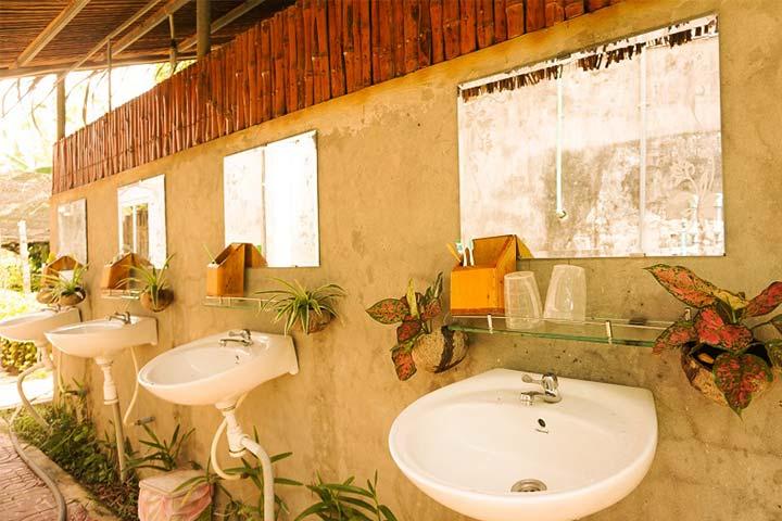 homestay nhà vệ sinh chung